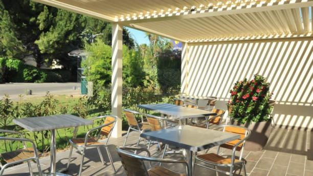 Restaurant Cannelle Nîmes - Inter Hôtel Costières Vue de la terrasse