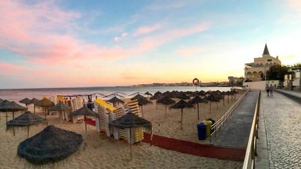 Praia do Tamariz Exterior