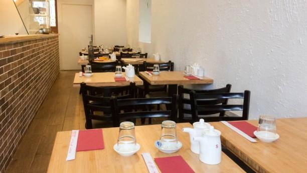 restaurant raviolis de juin paris 75011 bastille avis menu et prix. Black Bedroom Furniture Sets. Home Design Ideas