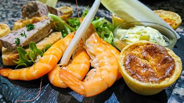 A La Sablonnaise Restaurant Place Du Champ De Foire 44390