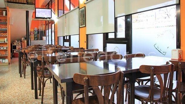 La cantonada de bacard in barcelona menu for Restaurante la campana barcelona