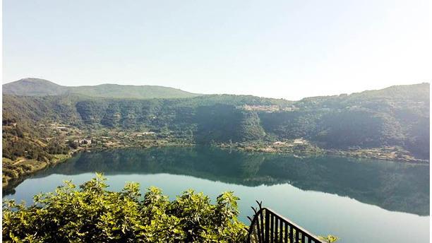 La Tana La vista sul lago