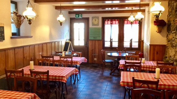 Café de la Place Salle du restaurant
