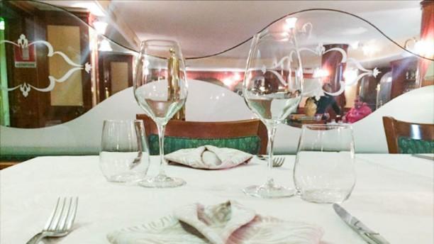 By Night Restaurant La sala