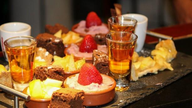 Le Bouche à Oreille Café Gourmand