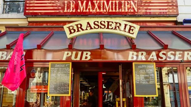 Le Maximilien Entrance