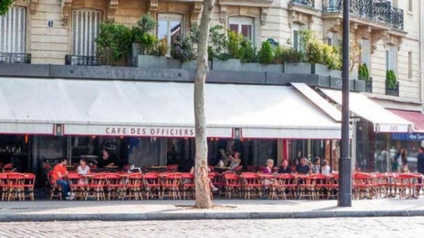 Café des Officiers les officiers