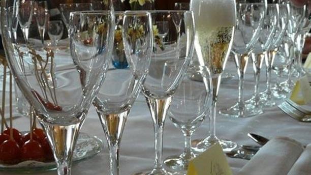 Auberge fleurie Table dressée