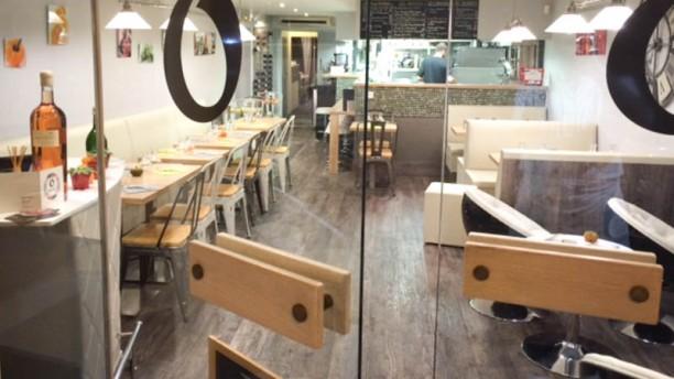 Open Bistro salle du restaurant avec la cuisine ouverte