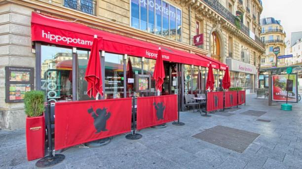 Hippopotamus Paris Saint-Lazare Façade du restaurant