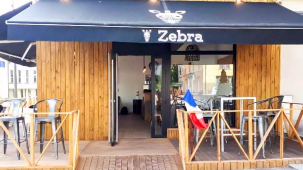 Zebra Rue de Paris Entrée