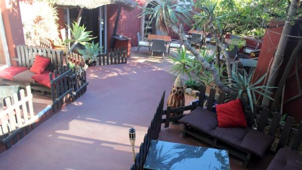La Capucine terraza