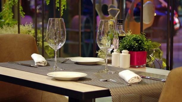 50&5 by Eboca Restaurant Vista de la sala