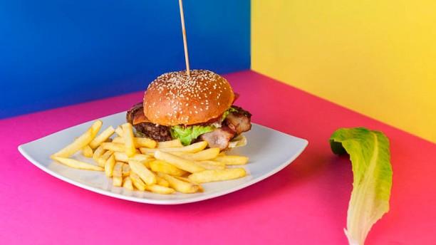 Cosmico Bowling Nebraska burger