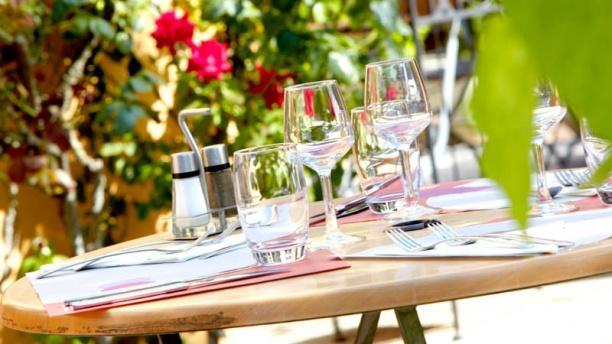 Campanile Lyon Est Bron Eurexpo Table dressée