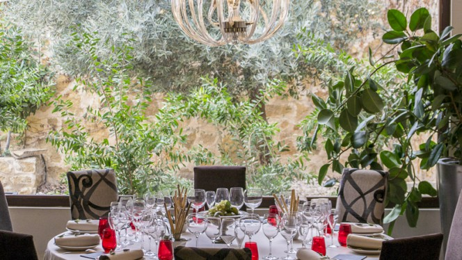 Sala del Restaurante Granero - Granero,