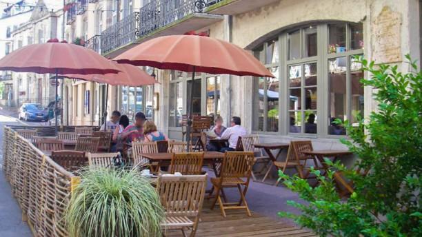 Brasserie Montaigne Terrasse