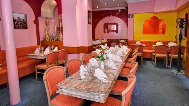 Maison du kashmir restaurant 8 rue sainte beuve 75006 for Maison du luxembourg restaurant