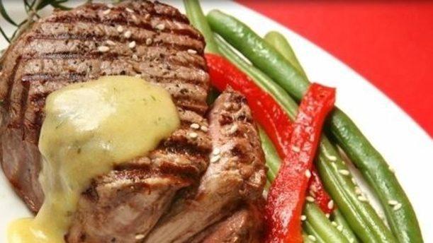Acqua Farina e Brace carne con crema e verdure