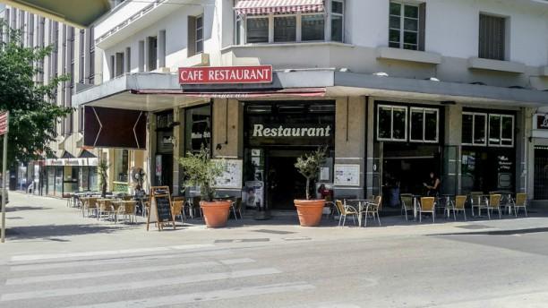 Le restaurant Devanture