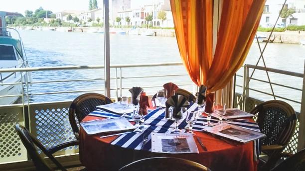l 39 amiral restaurant 2 rue andr chassefi re 34300 agde adresse horaire. Black Bedroom Furniture Sets. Home Design Ideas