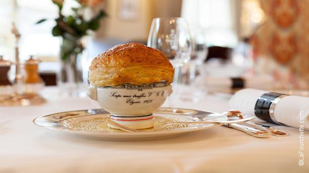 Auberge du pont de collonges paul bocuse restaurant - Chambre d hote collonges au mont d or ...