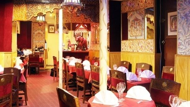 Kohinoor restaurant 178 rue marcadet 75018 paris for Restaurant miroir paris 18