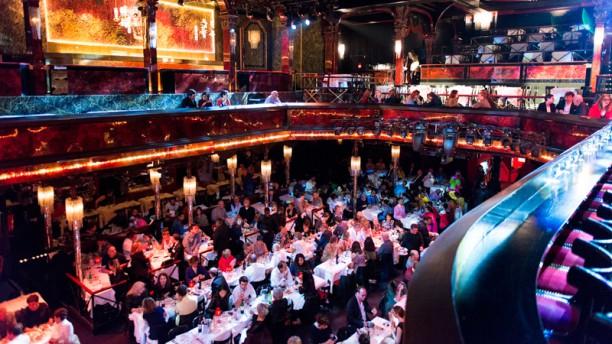 Paradis Latin Cabaret Salle du restaurant