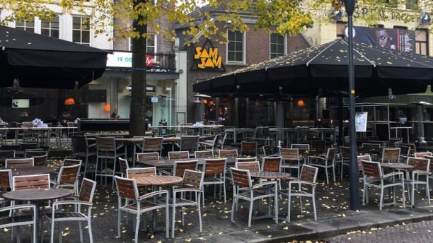 Café met eetgelegenheid Sam Sam Terras