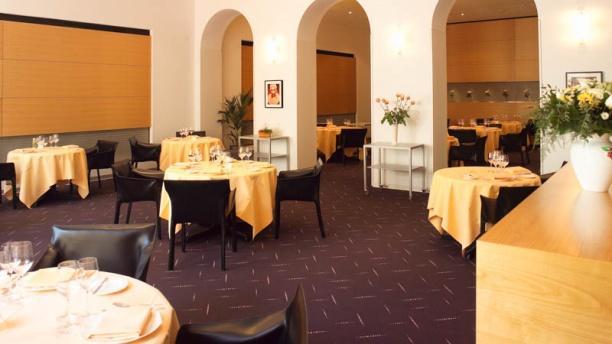 Restaurant gastronomique Didier de Courten Vue salle