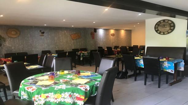 La Case Villecresnoise Salle du restaurant