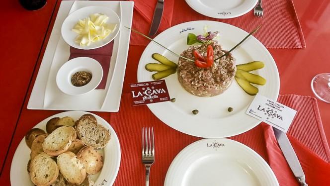 steak tartar - La Cava, Mojacar