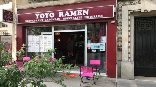 Yoyo Ramen Devanture