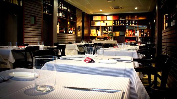 Taverna Visconti Trattoria di mare e Pizzeria Partenopea Vista della sala