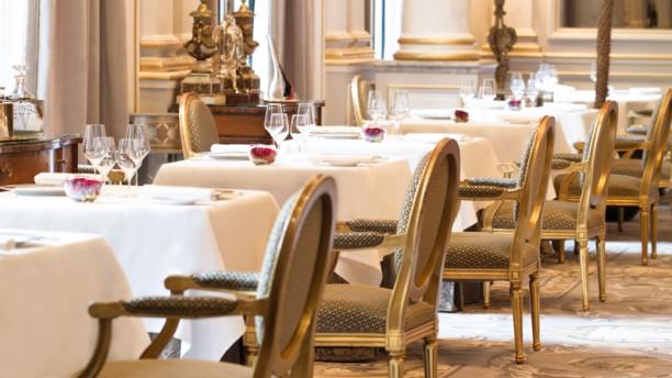 Restaurant le cinq h tel george v paris 8 me arc de - Hotel georges v paris prix chambre ...