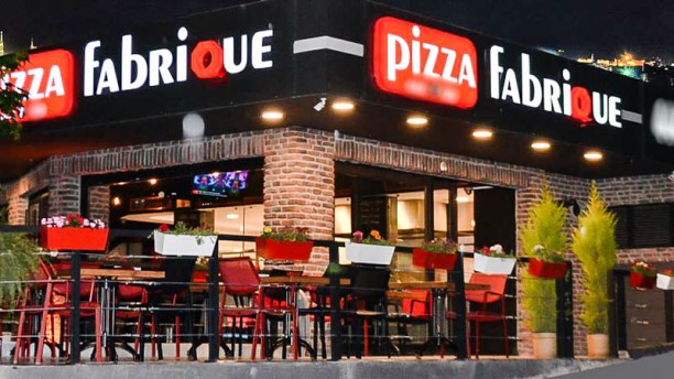 Pizza Fabrique The entrance