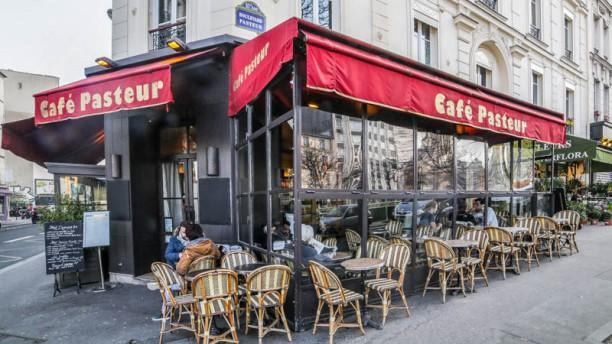 Café Pasteur Devanture