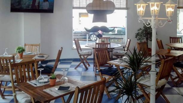 Morae's Coffee House Vista do interior