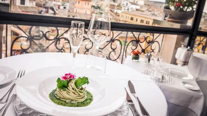 piatto di spaghetti - Minerva Roof Garden, Rome