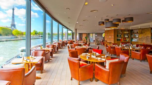 Restaurant le club des bateaux mouches paris champs for Restaurant ville lasalle