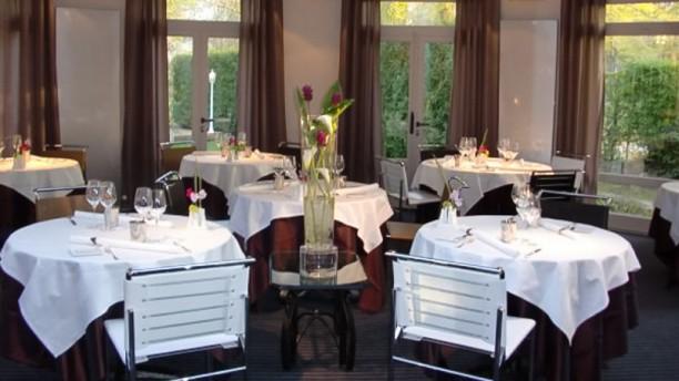 Les Prémices Salle du restaurant