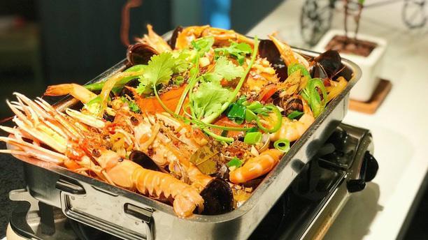 La Queen, Hot Pot Korean BBQ Hotpot