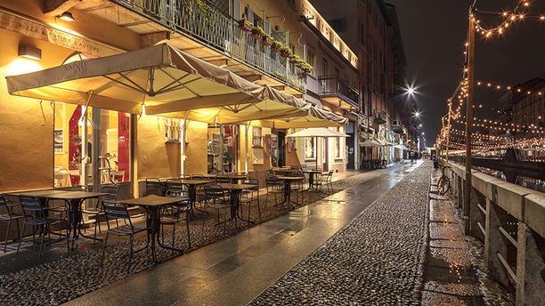 Napoli 1820 Esterno