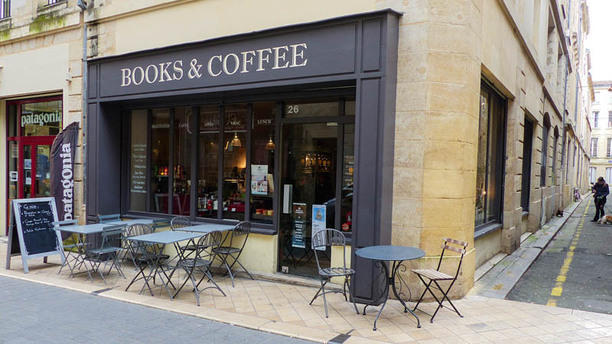 Books and Coffee Terrasse