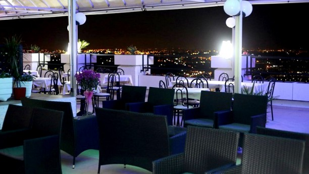 Eden Cassiano Terrazza con vista by night