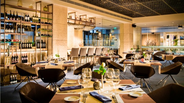 The terrace restaurant bar doubletree by hilton for Terrace restaurant menu