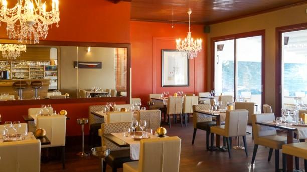 L'Albatros La Salle de restaurant, vue sur mer