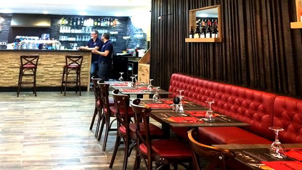 Brasserie De Paris Vue de la salle