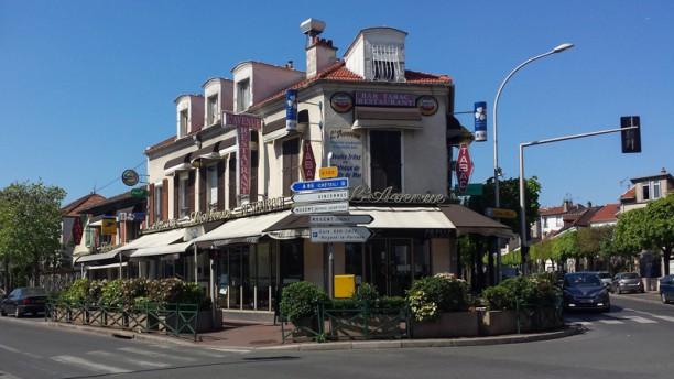 L'Avenue Café Devanture