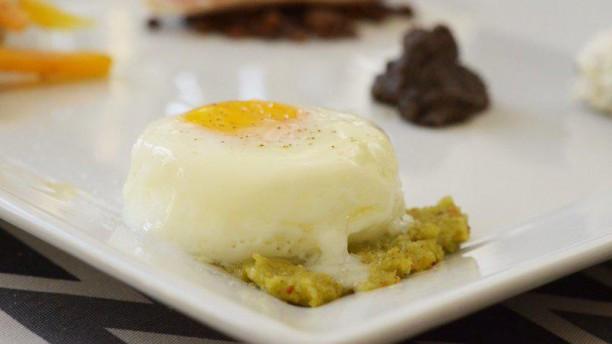 Ricercato - Osteria Moderna e Café Uovo al forno con salsa di mandorle in argrodolce